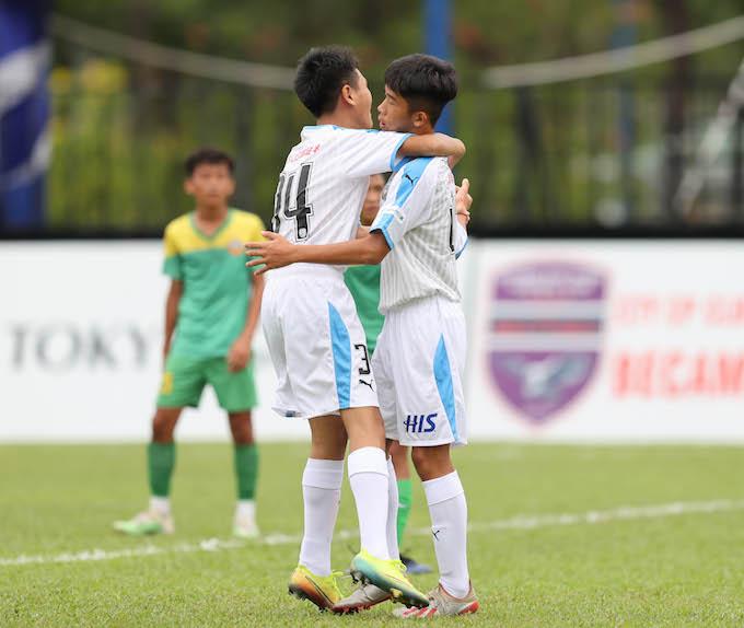 Niềm vui của các cầu thủ Kawasaki Frontale sau khi ghi bàn thắng. Ảnh: Quốc An