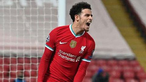 Curtis Jones là 'Steven Gerrard mới' của Liverpool