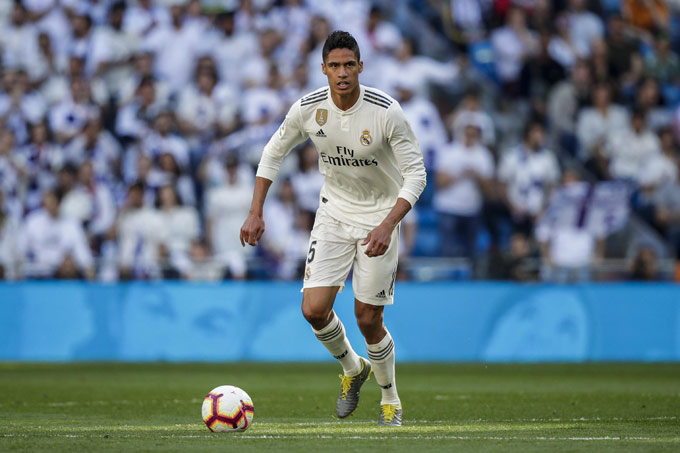 Varane cùng Real vô địch La Liga 2019/20