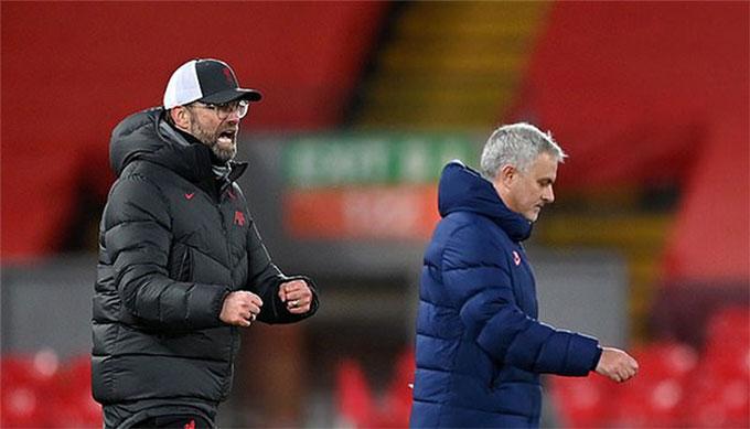 Niềm vui chiến thắng của HLV Klopp trước Mourinho