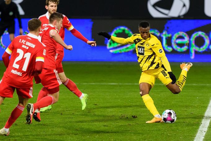 Thần đồng Moukoko ghi bàn gỡ hòa 1-1 ở phút 60 trận đấu Union Berlin vs Dortmund nhưng không thể giúp đội khách có được dù chỉ 1 điểm