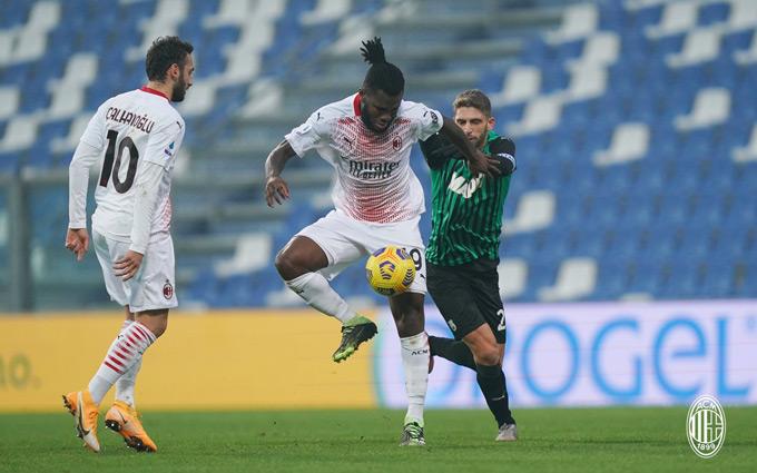 AC Milan tiếp tục củng cố vị trí số 1 trên BXH