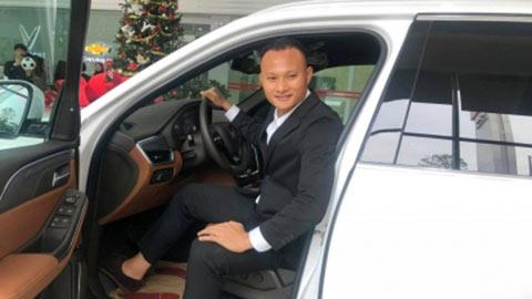 Trọng Hoàng mua ô tô tiền tỷ