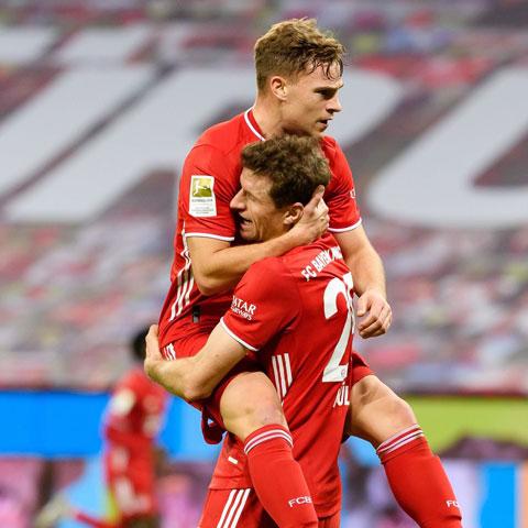 Kimmich (trên) là tác nhân quan trọng nhất giúp Bayern ngược dòng trước Leverkusen