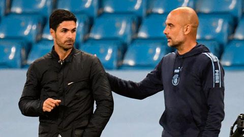 Nếu Pep Guardiola (bên phải) thắng Mikel Arteta đêm nay, ông có thể khiến người trợ lý cũ mất việc