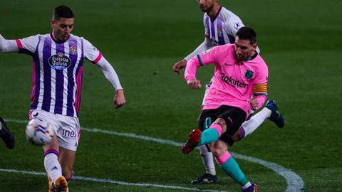 Messi phá siêu kỷ lục ghi bàn của huyền thoại Pele