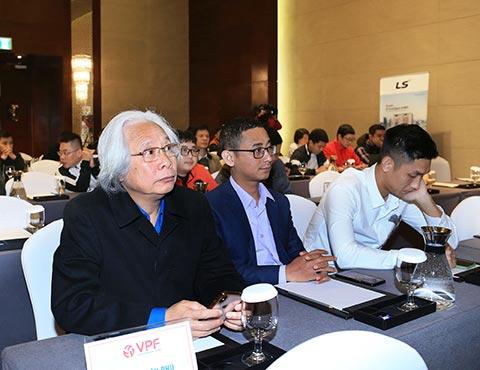 Tổng biên tập Tạp chí Bóng đá Nguyễn Văn Phú đến dự buổi lễ