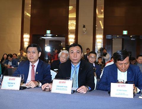 Lãnh đạo VFF đến tham dự buổi lễ ký kết giữa VPF và Tập đoàn LS