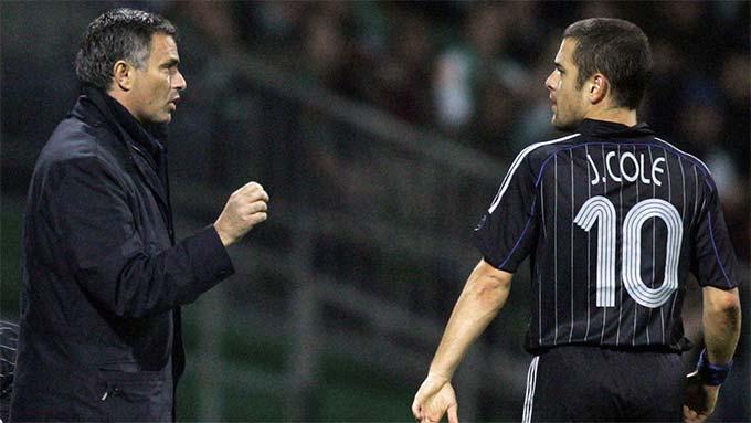 Joe Cole bị HLV Mourinho chê về khả năng hỗ trợ phòng ngự