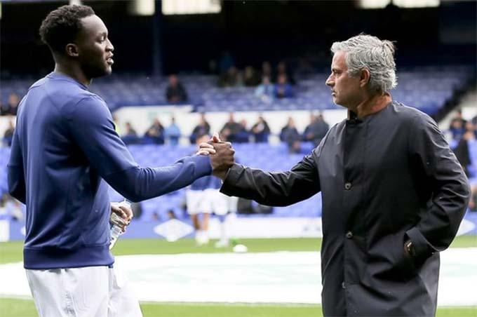 Lukaku ít được HLV Mourinho trao cơ hội ở Chelsea
