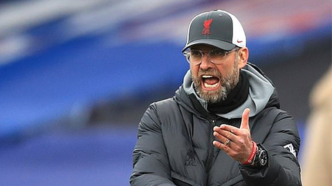 Klopp mỉa mai Scholl, bảo vệ HLV tạm quyền của Dortmund