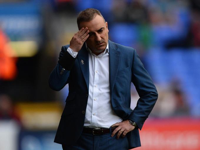 Carlos Carvalhal cũng mất việc tại Sheffield Wednesday vào Giáng sinh năm 2017