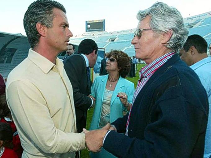 Ông Felix, cha của Jose Mourinho, bị mất việc vào Giáng sinh 1984