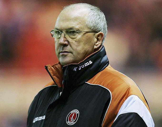 HLV Les Reed nhận quyết định sa thải tại Charlton Athletic vào Giáng sinh năm 2006