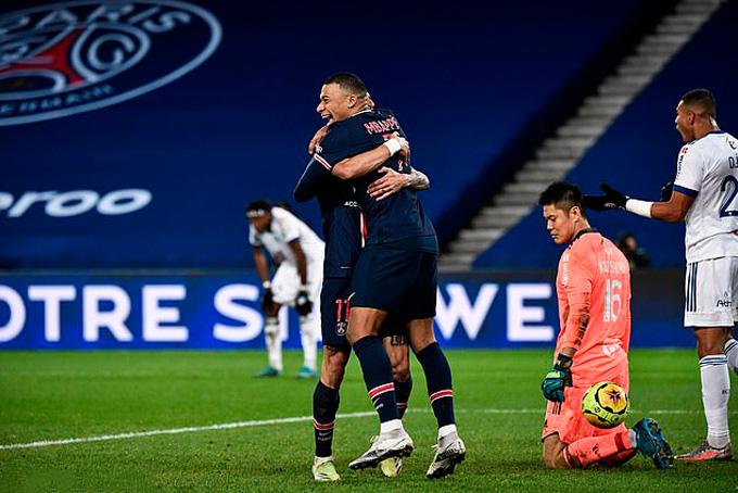 Mbappe nâng tỷ số lên 2-0 ở phút 79