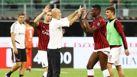 Dưới bài tay của HLV Pioli, Milan đã ổn định dần ở đầu năm và cuối năm là thăng hoa với ngôi đầu Serie A
