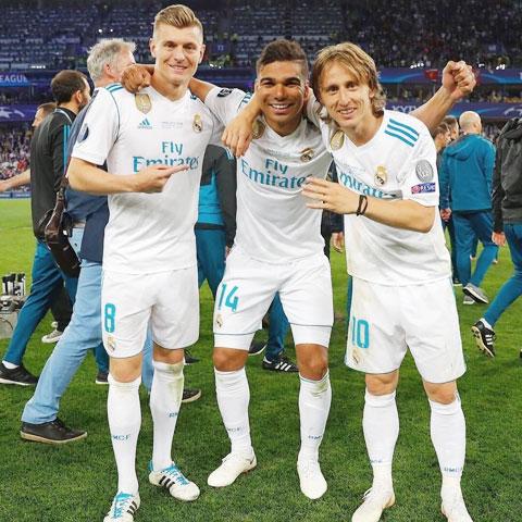 Hàng tiền vệ Real không những điều tiết tốt trận đấu, hỗ trợ tấn công mà còn ghi bàn đều đặn