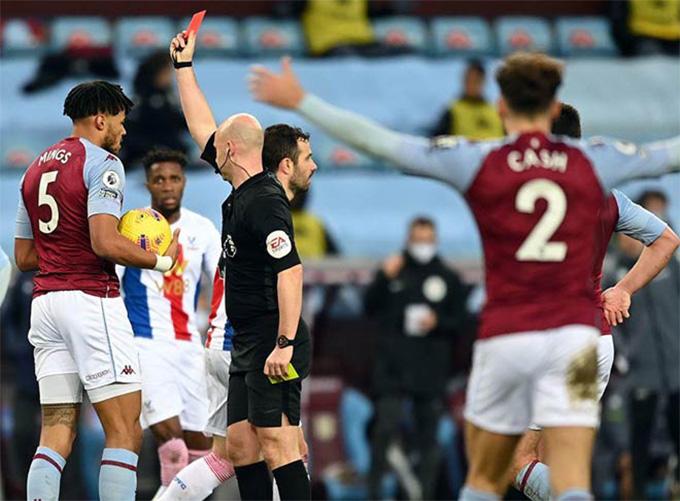 Mings nhận thẻ đỏ trong trận Aston Villas vs Crystal Palace