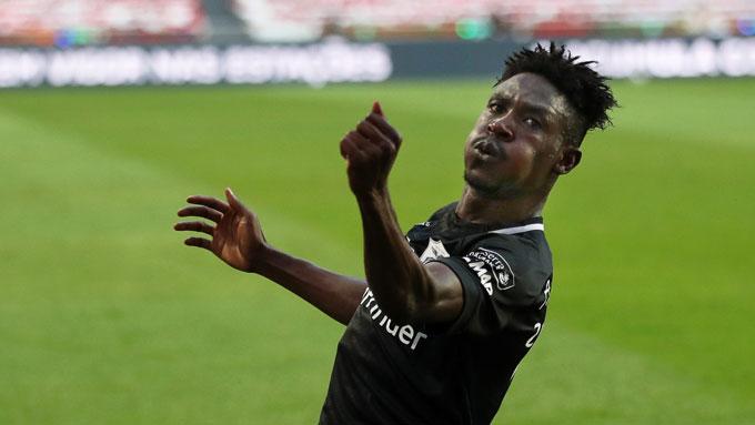 Sanusi đang chơi cực hay tại Porto