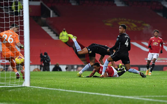 Martial mở tỷ số trận M.U vs Aston Villa ở phút 40