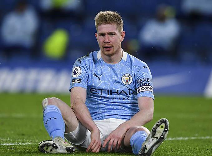 De Bruyne vẫn sẽ ở lại Man City dù lương giảm?