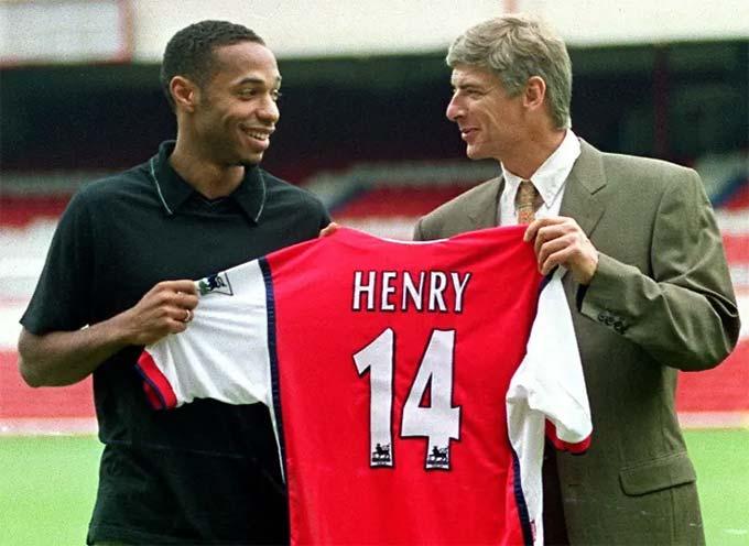 HLV Wenger đưa tiền đạo Henry về Emirates
