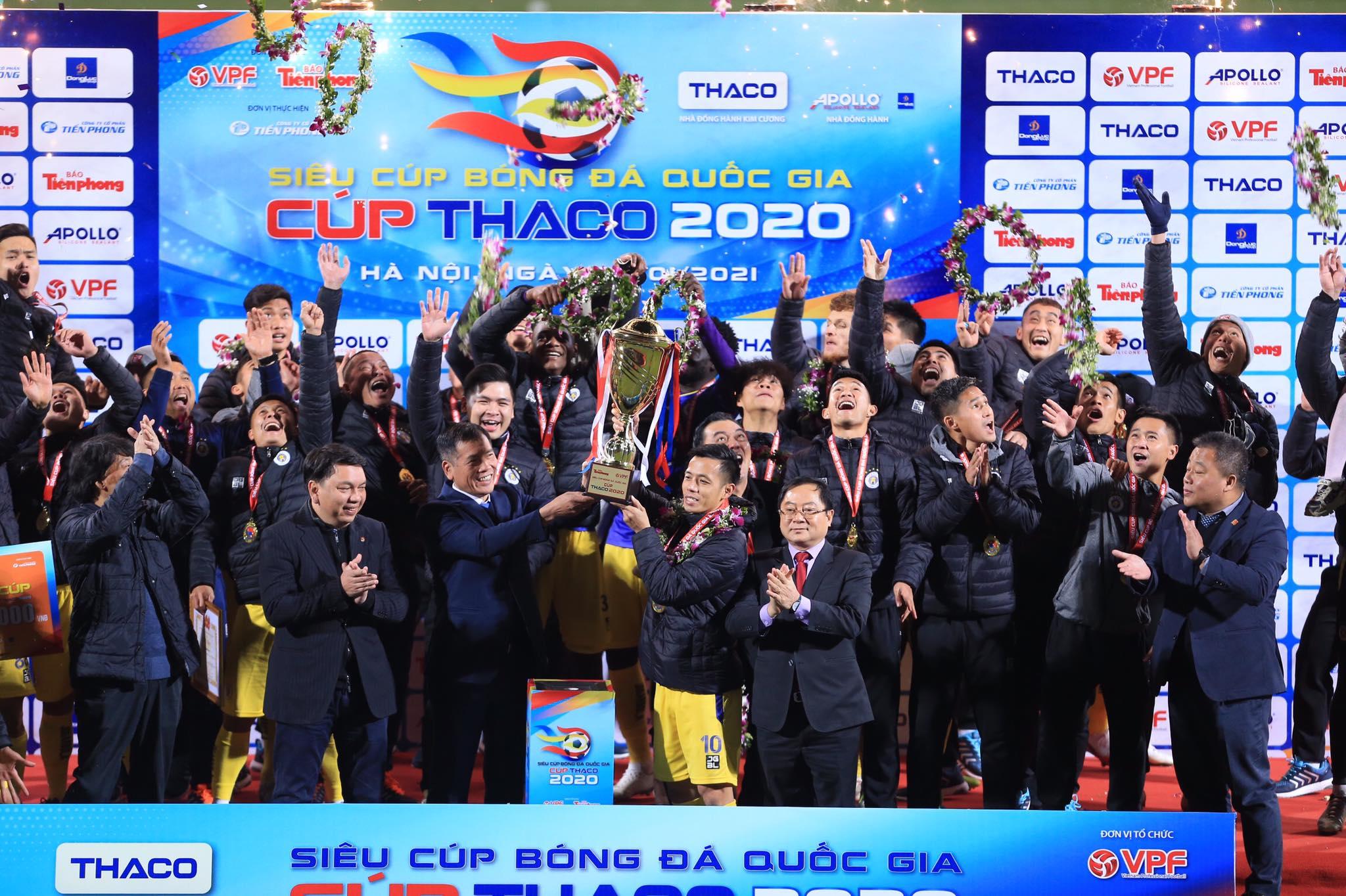 Hà Nội FC khởi đầu mùa giải 2021 với chức vô địch Siêu Cúp QG - Ảnh: Đức Cường