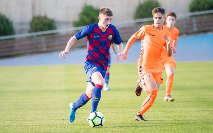 Anh nhanh chóng được lên đội U19 của Barca khi mới 16 tuổi