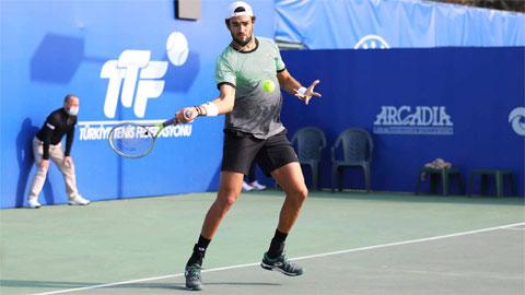 Hạt giống số một dễ dàng vào tứ kết Antalya Open 2021