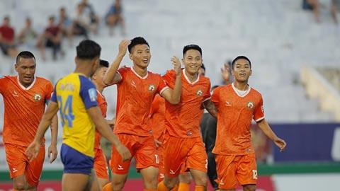 Bình Định mượn sân Nha Trang làm 'thánh địa'