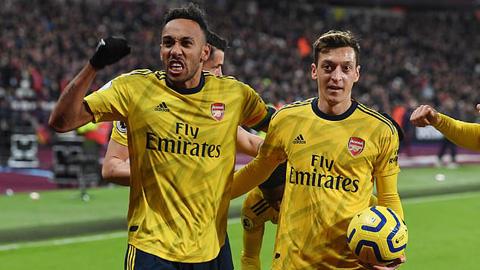 Tin giờ chót 12/1: Oezil thà giải nghệ còn hơn gia nhập Tottenham