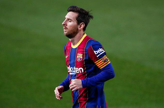 """Lionel Messi:Messi thú nhận rằng anh ấy muốn chơi ở MLS trước khi giải nghệvà New York City FC là ứng cử viên nặng ký để ký hợp đồng với cầu thủ thuộc biên chế Barcelonanhưng họ sẽ yêu cầu sự giúp đỡ của """"người anh em""""Manchester City"""