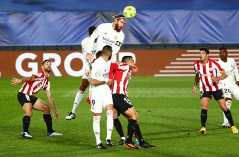 Đẳng cấp vượt trội sẽ giúp Real Madrid (áo sáng) đè bẹp Bilbao để tiến vào chung kết Siêu Cúp Tây Ban Nha 2021