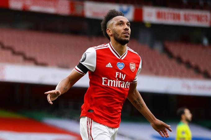 Pierre-Emerick Aubameyang - Borussia Dortmund đến Arsenal (60 triệu bảng, 2018): Aubameyang là một trong những tay săn bàn tốt nhất từ trước đến nay của Arsenal. Cầu thủ 31 tuổi đã có 76 bàn thắng và 16 đường kiến tạo trong 127 trận trên mọi đấu trường tính đến thời điểm hiện tại