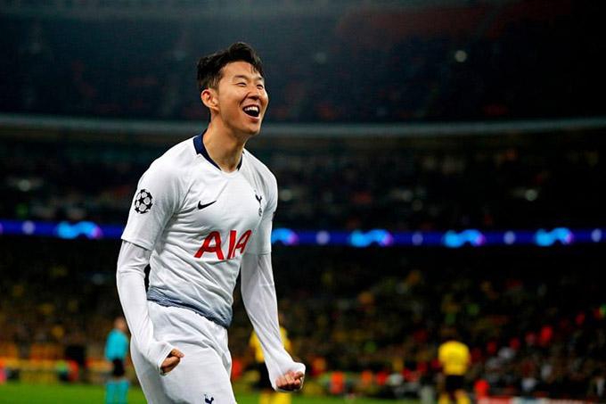 1.Son Heung-min: Ngôi sao người Hàn Quốc được đánh giá là cầu thủ Tottenham Hotspur tiến bộ nhất dưới thời Jose Mourinho. Cầu thủ 28 tuổi chưa bao giờ là một cầu thủ ghi bàn nhiều nhất, chỉ hai lần ghi 12 bàn trong một mùa giải Premier League trước chiến dịch 2020/21 đang diễn ra. Nhưng bây giờ, Son đã có 12 bàn chỉ sau 17 trận tại Ngoại hạng Anh. Rõ ràng, Son có thể gia tăng số bàn thắng trong thời gian tới, đặc biệt là khi anh đang có sự ăn ý ấn tượng với trung phong Harry Kane