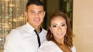 Vợ Thiago Silva 'đá xoáy' Robertson