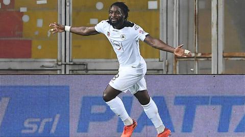 Nzola đang có 9 bàn cho Spezia tại Serie A 2020/21, nhiều nhất trong các cầu thủ Pháp tại châu Âu mùa này
