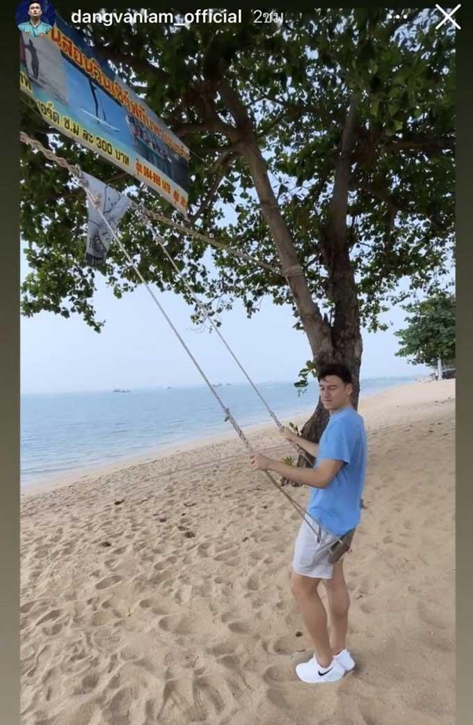 CĐV Thái Lan bức xúc khi thấy Văn Lâm biến mất ở Muangthong nhưng lại xuất hiện ở một bãi biển
