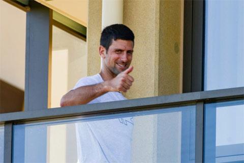 Djokovic cách ly ở một khách sạn sang trọng tại Adelaide