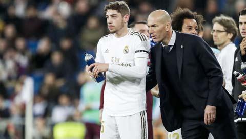 4 trận gần đây Zidane để Valverde dự bị, Real chỉ thắng được  1 trận