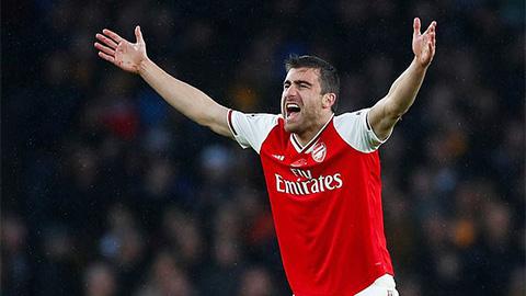 Arsenal thanh lý hợp đồng với Sokratis