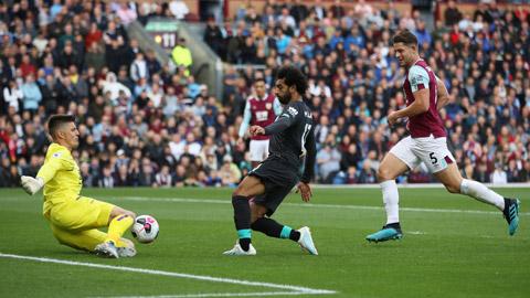 Salah (giữa) và đồng đội sẽ vượt qua Burnley như 4/5 lần gần nhất Liverpool gặp đối thủ này