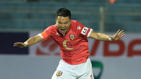TP.HCM vs HL Hà Tĩnh: Ngày về của tiền vệ Phi Sơn