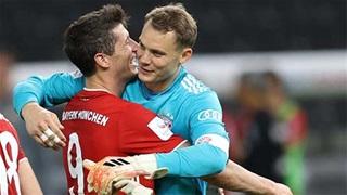 Lewandowski và Neuer đi vào lịch sử sau trận Bayern vs Augsburg