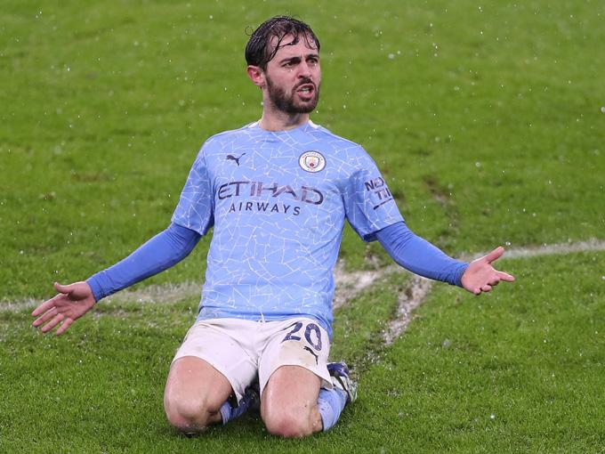 Bernardo Silva mở tỷ số trận đấu Man City vs Aston Villa ở phút 79