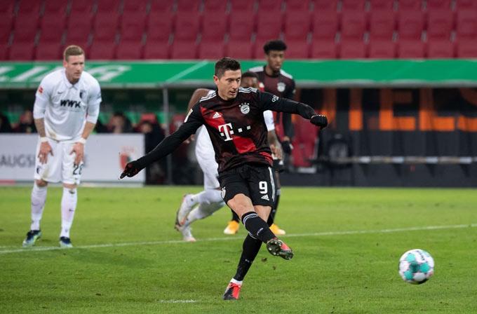 Lewandowski ghi bàn duy nhất trận đấu Augsburg vs Bayern