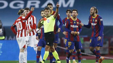Trọng tài rút thẻ đỏ đuổi Messi phải bị trừng phạt