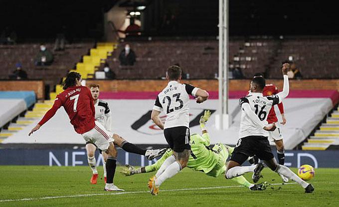 Cavani gỡ hòa cho Man United ở gặp Fulham