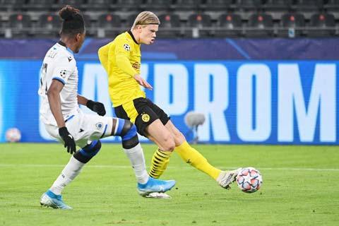 Haaland (phải) và đồng đội sẽ gặp rất nhiều khó khăn tại Borussia-Park