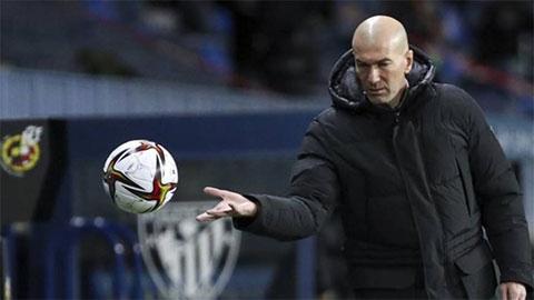 """HLV Zidane dương tính với COVID-19, Real """"méo mặt"""" trước trận gặp Alaves"""
